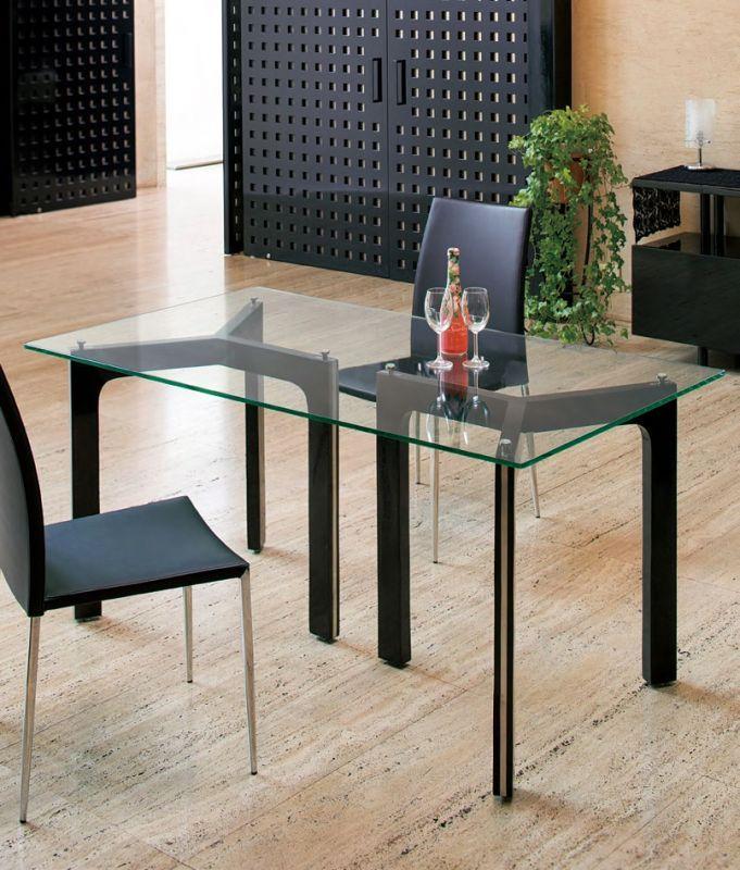 暑い時期は、やっぱりガラステーブル!