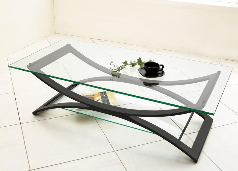夏にはガラステーブルの清涼感!