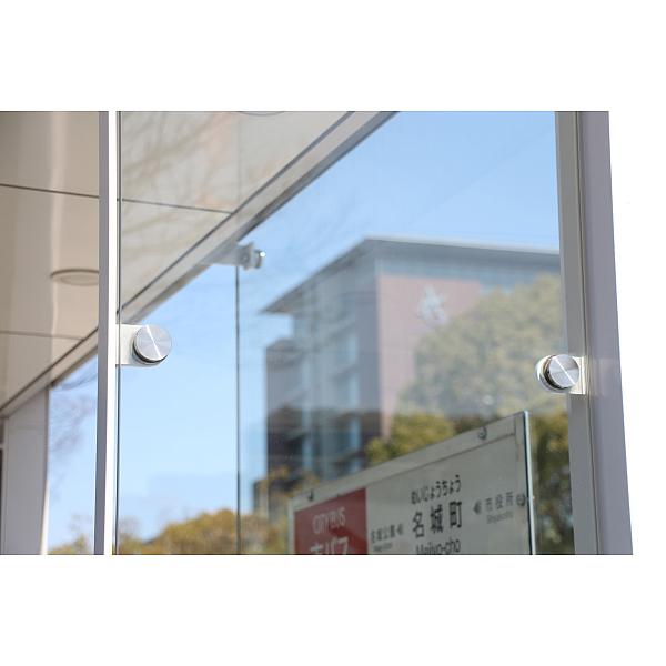 ポイントフィックス,ガラスを壁に固定する金具,ガラスを壁面・パネルとして使用する際、構造物やフレームに固定するための金具